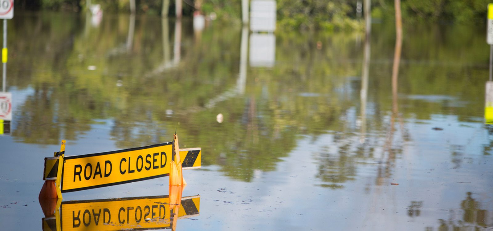 The role of insurance in enhancing societal resilience to flood risk
